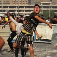 Iraq, la protesta anti corruzione compie un anno. Scontri e feriti nelle città