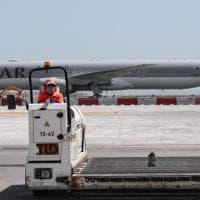 """Qatar, donne fatte sbarcare dall'aereo e esaminate invasivamente: """"Erano in stato di..."""