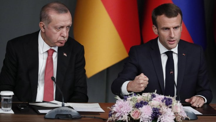 160032873 aa7d2a7b ead5 476d a998 1534254e92c8 - Tensioni Parigi-Ankara, Erdogan invita a boicottare i prodotti francesi