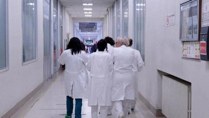 Medicina, l'odissea degli specializzandi che dovrebbero andare in corsia