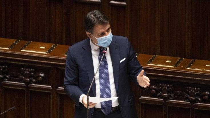 Covid, Conte: Senza misure severe il virus sfuggirebbe di mano. Boccia impugna ordinanze contrarie a Dpcm