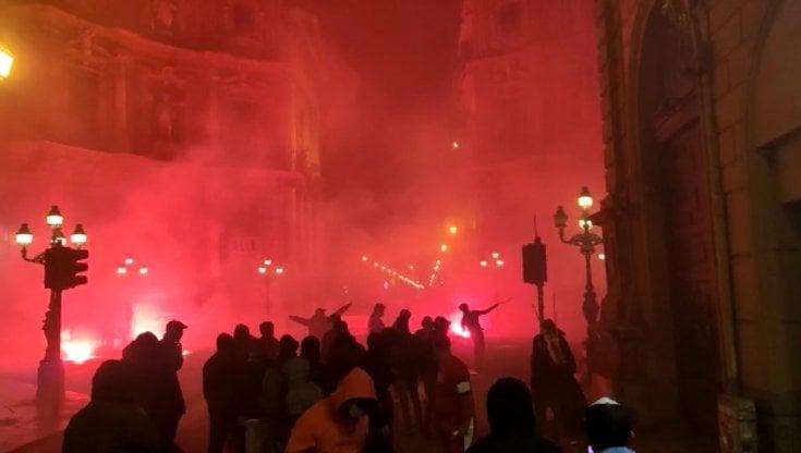 Ancora scontri e proteste nelle piazze. Lamorgese: Rischio tenuta sociale