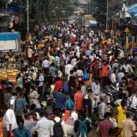 Coronavirus nel mondo: paura in India, il Paese supera gli 8 milioni di casi