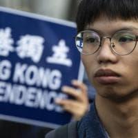 Hong Kong, il pugno duro di Pechino. Arrestato l'attivista Tony Chung, 19 anni