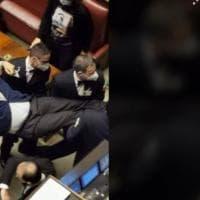 Camera, dopo espulsione Sgarbi, rigore di Fico su uso mascherine
