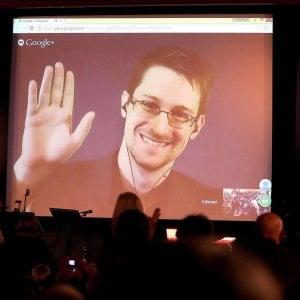 115433643 3cd623d4 cb35 4491 bcda f94c1aa95618 - Russia, nasce il primo figlio di Snowden. Appelli per la grazia a Trump