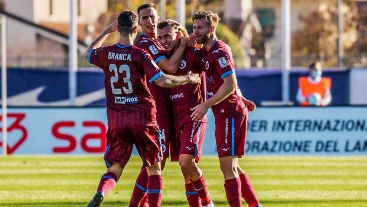 Serie B: Empoli e Venezia raggiunte nel recupero, il Lecce ne fa sette alla Reggiana