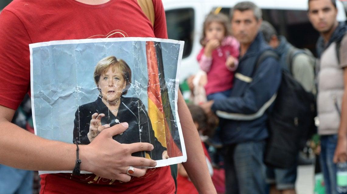 """185154663 57ac3997 2bae 4f06 bb53 b793525e994b - I 15 anni al governo di Angela Merkel, la """"cancelliera delle crisi"""""""