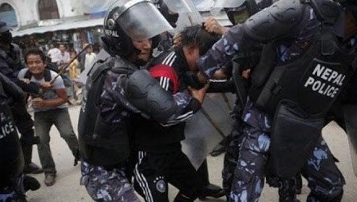 Nepal, un sistema giudiziario corrotto: 60.000 segnalazioni per crimini di guerra, ma nessuna condanna