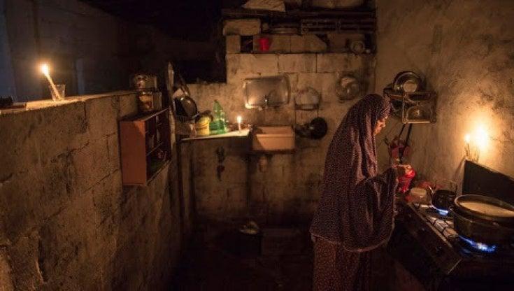Gaza è in trappola più del solito, tra l'embargo, lelettricità a singhiozzo e la pandemia