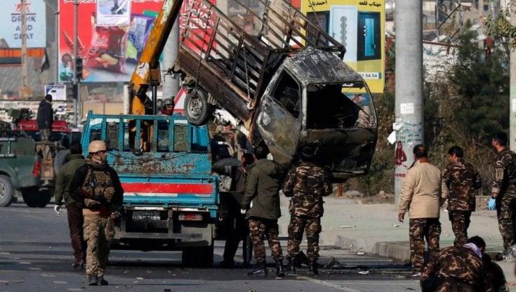 Afghanistan, pioggia di razzi su Kabul: Emergency, Esplosioni anche vicino al nostro ospedale