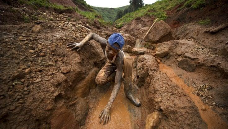 Congo, violenze in aumento a Salamabila nella lotta tra gruppi armati per il controllo di giacimenti d'oro, coinvolta la popolazione civile
