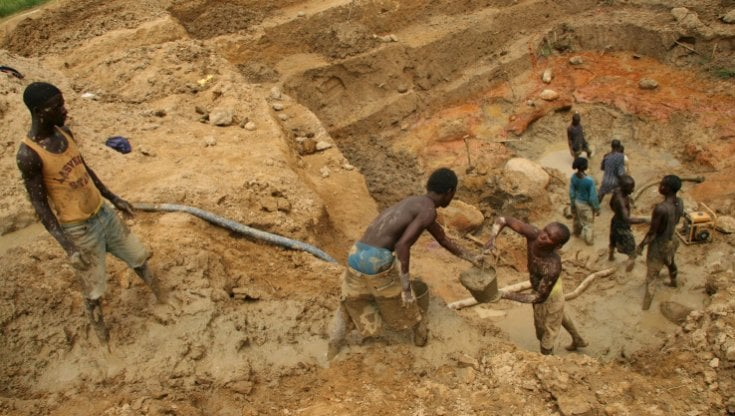 Africa: il traffico illegale di oro alimenta le guerre e rende schiave milioni di persone