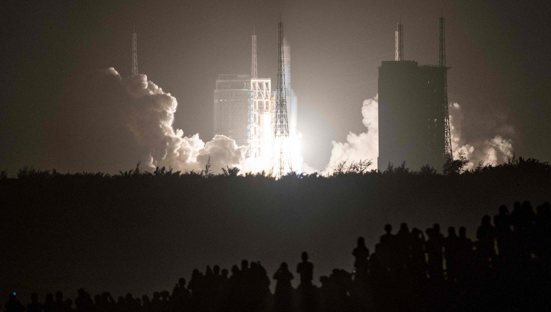102928367 a7a1f28a 133b 416a a0b8 3450c9643711 - Portare sulla Terra un frammento della Luna: per la prima volta ci prova la Cina