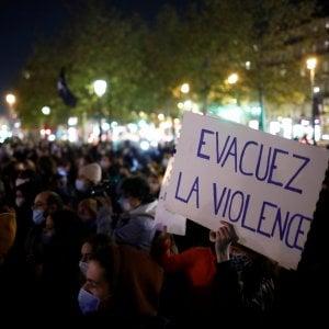 """185025878 0219d649 c06c 4104 a881 2ecaf43e9072 - Parigi, poliziotti picchiano uomo disarmato. Sospesi tre agenti. """"Contro di me insulti razzisti"""""""