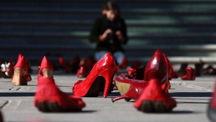 Giornata internazionale per leliminazione della violenza contro le donne, le iniziative in Italia