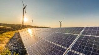 Il Covid spinge le rinnovabili e taglia la domanda di energia