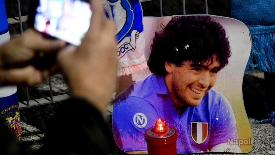 Maradona, il cielo in un pallone