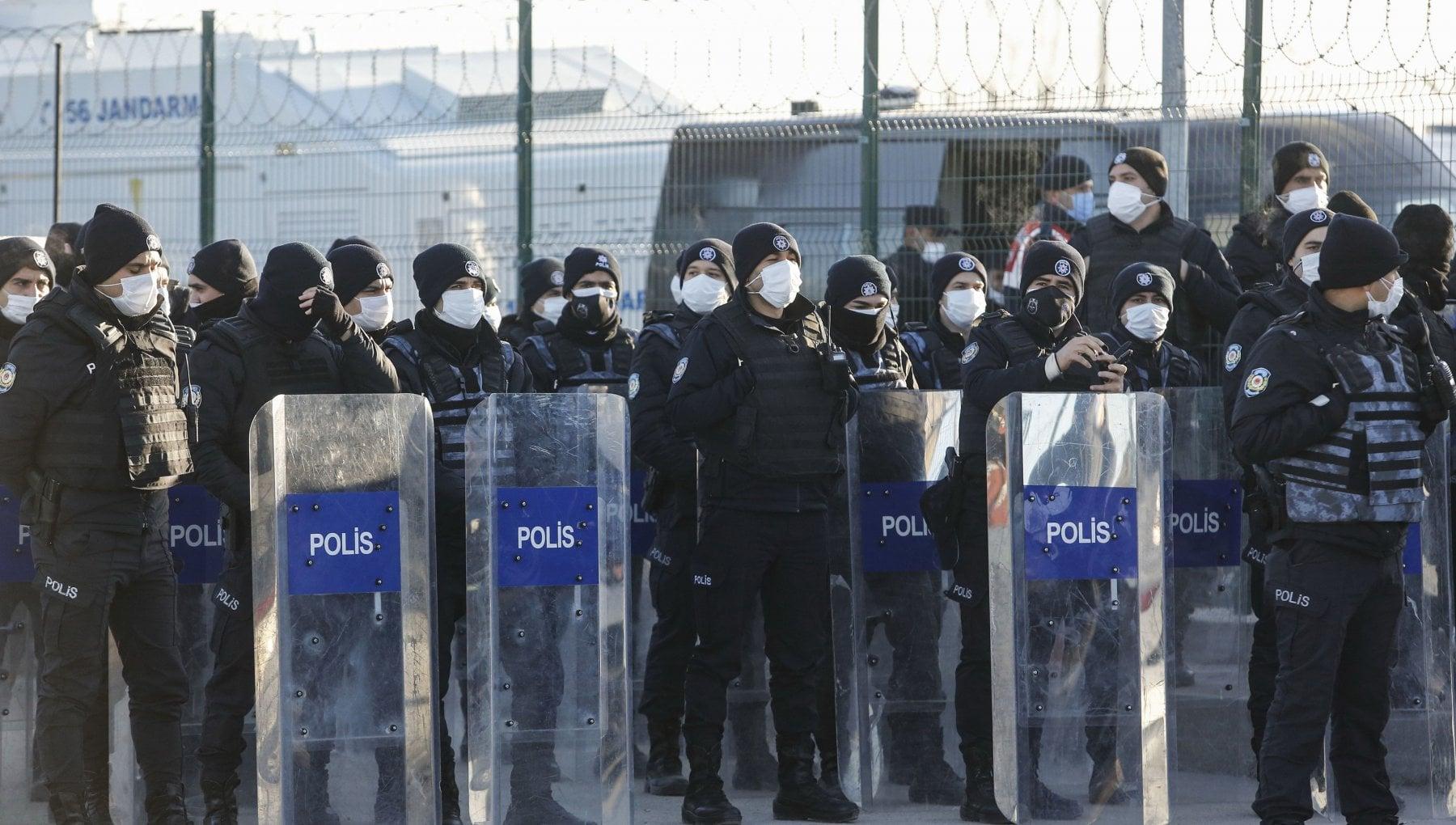 104256051 77718187 d1b6 4599 aae9 f489ff53358b - Turchia, oltre 300 ergastoli per il fallito golpe del 2016