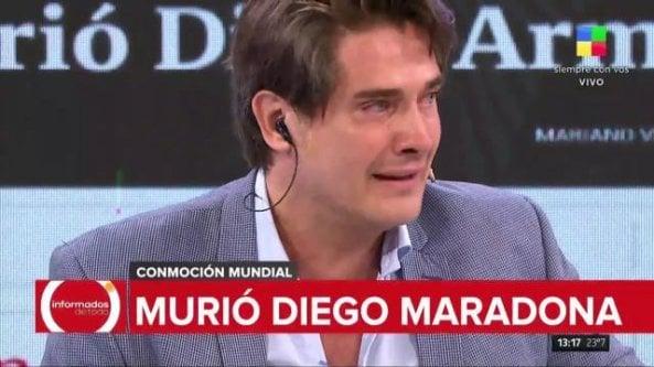 È morto Maradona, il giornalista scoppia in lacrime in diretta