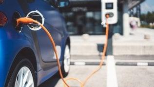 Il prezzo è il principale ostacolo alla diffusione dell'auto elettrica