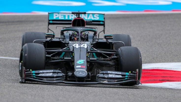 F1, Bahrain: dominio Mercedes nelle prime libere, Hamilton precede Bottas