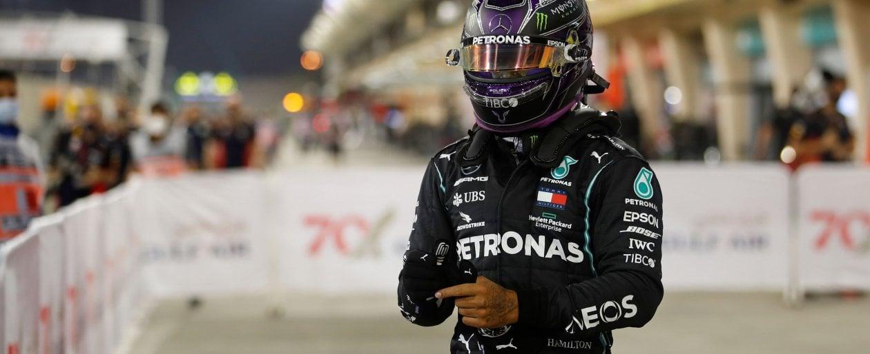 Formula1, Bahrain: pole 98 per Hamilton. Male le Ferrari