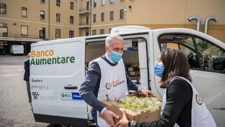 La colletta alimentare si trasferisce online: pasti solidali dalle piattaforme di Amazon ed Esselunga