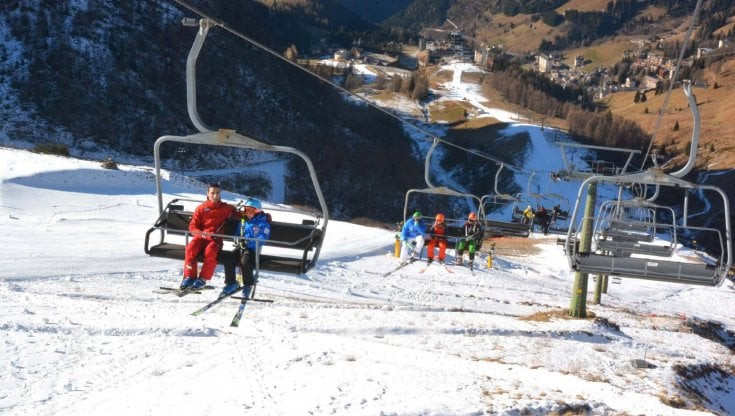 Dpcm Natale, a Capodanno coprifuoco fino alle 7 di mattina. E dal 7 gennaio riaprono gli impianti da sci