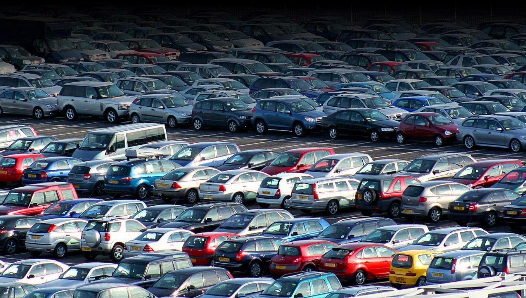 Incentivi auto, la battaglia degli emendamenti: sul tavolo un pacchetto da mezzo miliardo