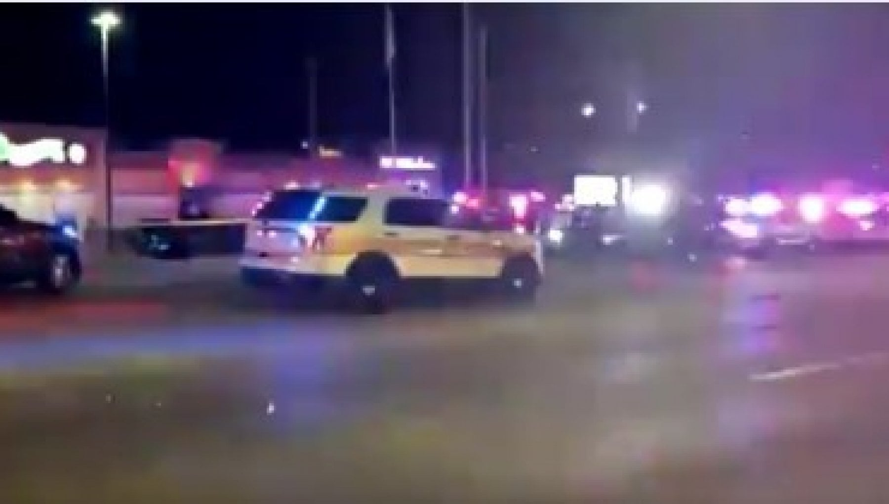 073626549 0e34aa16 a360 458a ab9c 0559304406a4 - Usa: sparatoria in un bowling in Illinois, almeno 3 vittime, fermato un uomo
