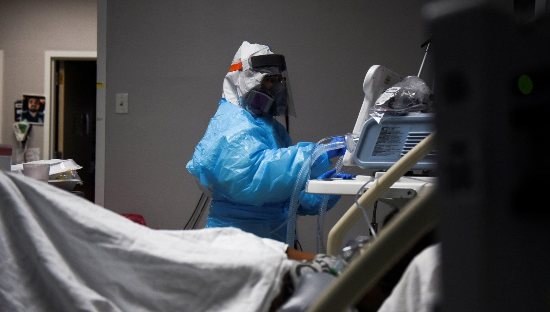 072339756 4878ed73 40d7 482d 85c9 93ea0550aa1e - Coronavirus nel mondo: oltre 15 mila morti in Canada, New York proroga lo stop agli sfratti