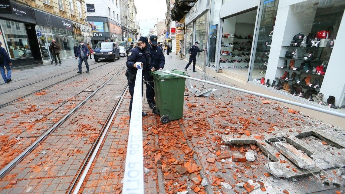 132442262 3db20446 4f4c 4a6b bc37 7df114a2a59b - Terremoto in Croazia: scossa di magnitudo 6.4 vicino a Zagabria. Sette morti e decine di feriti . Paura in Italia nelle regioni adriatiche