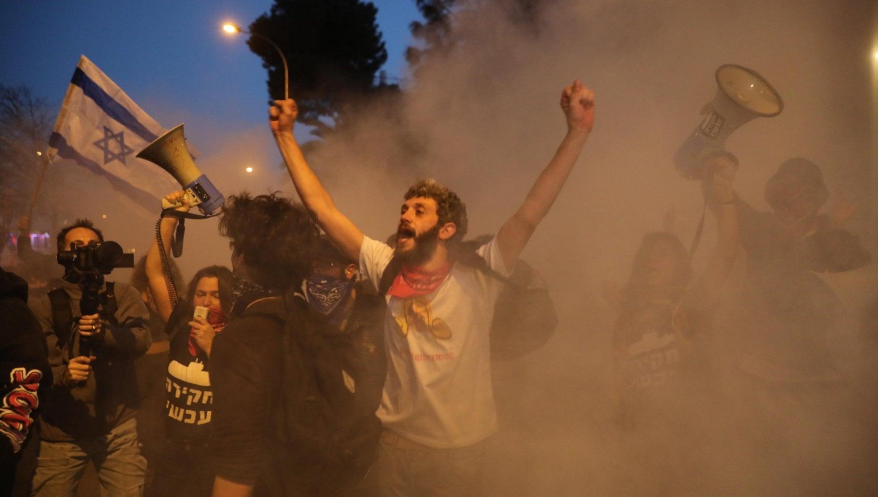 164633664 acf97a62 0b78 43fe 885c 3c84ec6956dd - Israele, i coloni ultras contro la polizia: le proteste infiammano la Cisgiordania