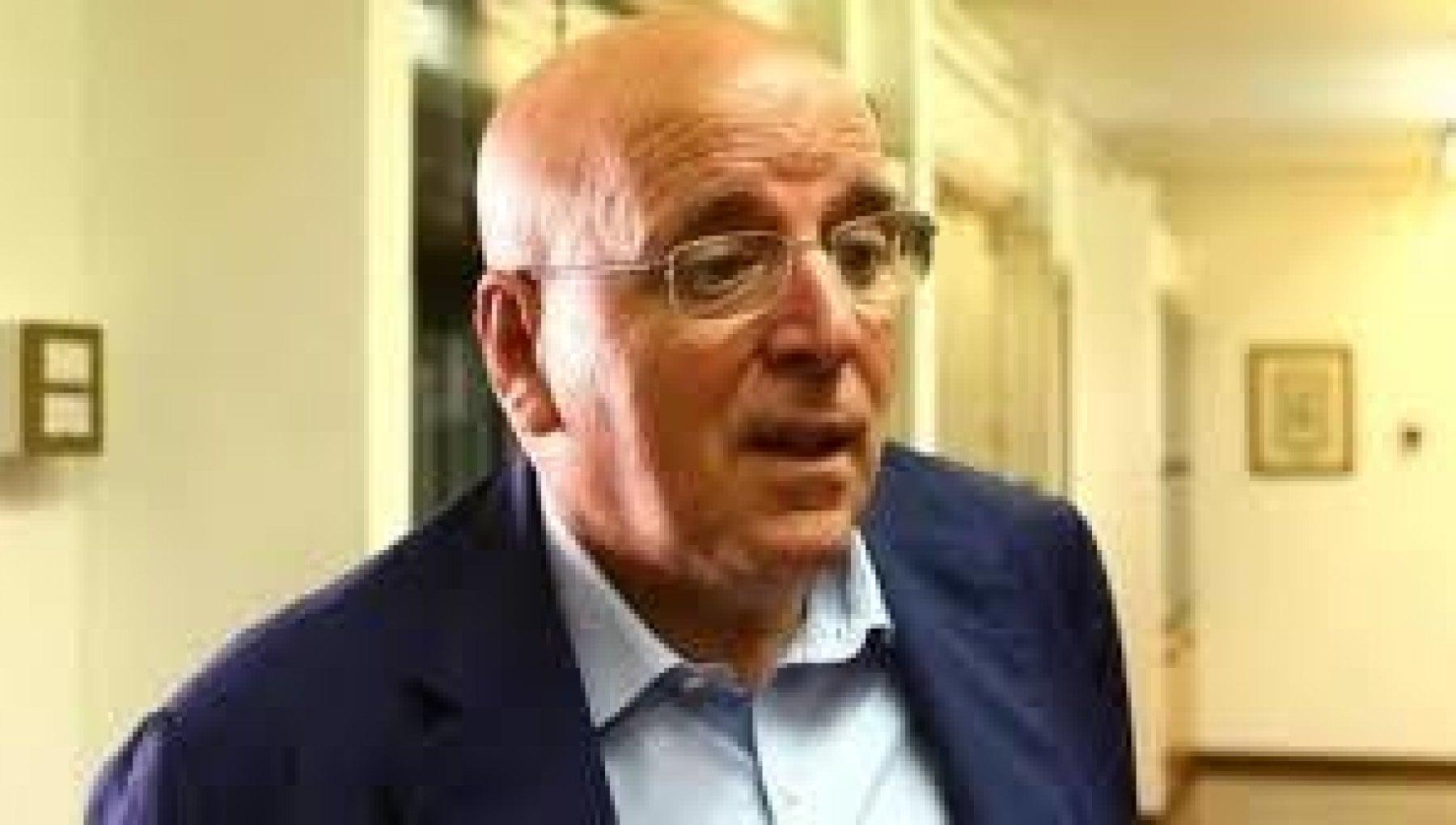 132517191 13c2113a 7c80 47de 8406 890b87d226f2 - Calabria, assolto dalle accuse di corruzione e abuso l'ex governatore Mario Oliverio