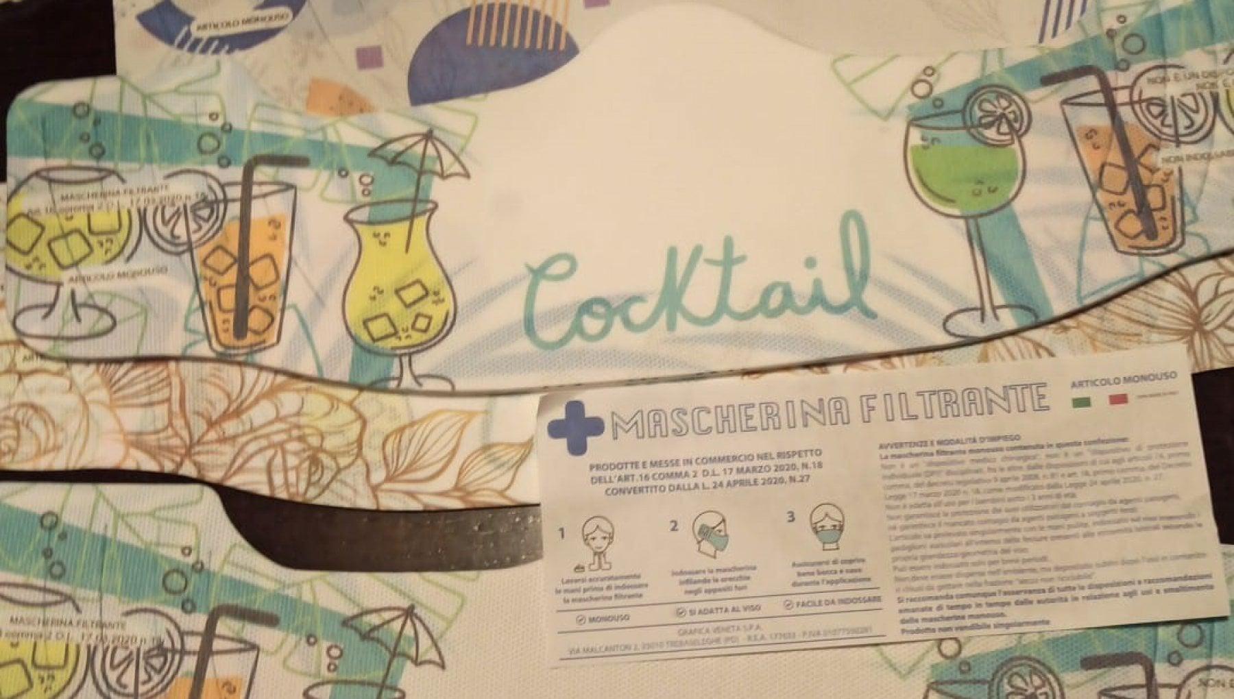 """204415315 fc8827ce 0f58 4006 9d46 e6e32164debc - Treviso, polemica per le """"mascherine cocktail"""" distribuite dalla Protezione civile"""