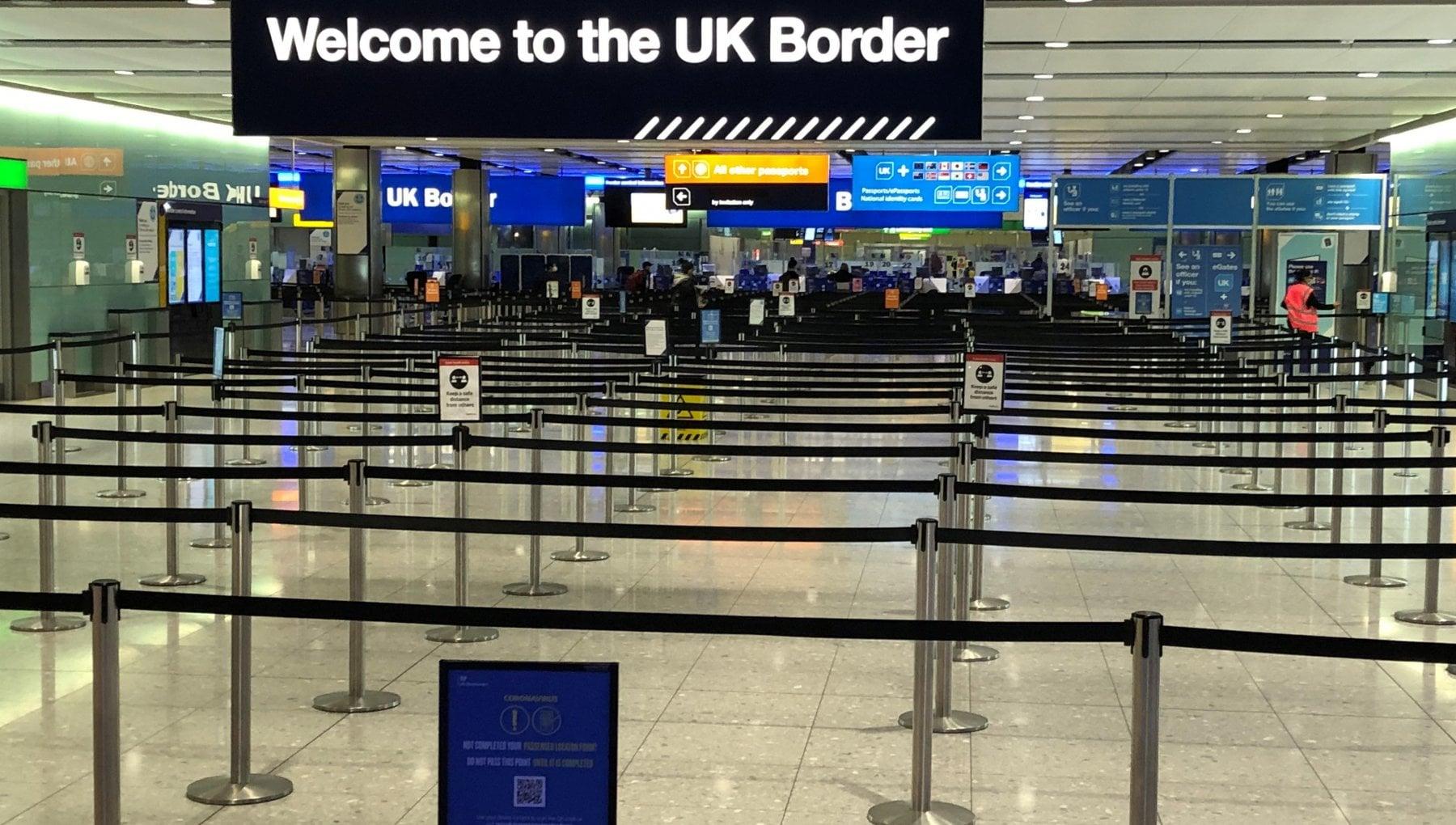 063306933 3b0e92b5 cb43 4da4 ab25 cd48c6398365 - Coronavirus nel mondo: in Gran Bretagna test obbligatori su tutti gli arrivi dall'estero