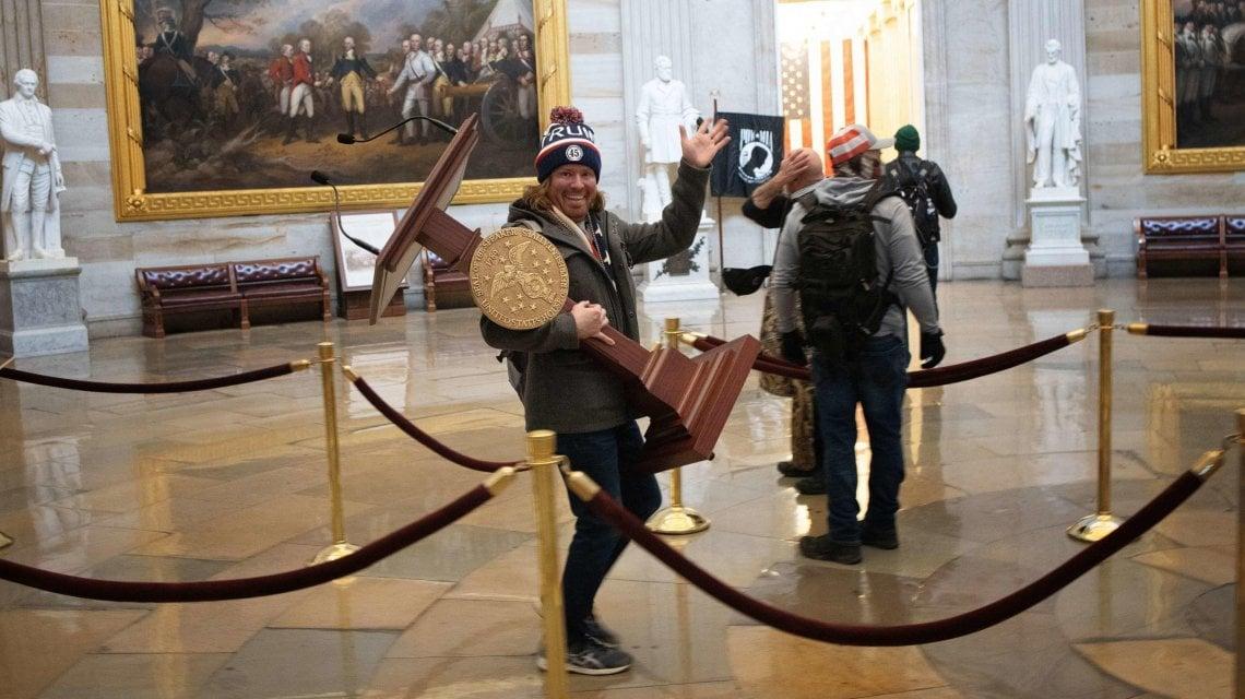 192136968 b435525c 1b84 4592 91b7 9aab19ca5be9 - Usa, arrestato Jake Angeli lo sciamano di Capitol Hill