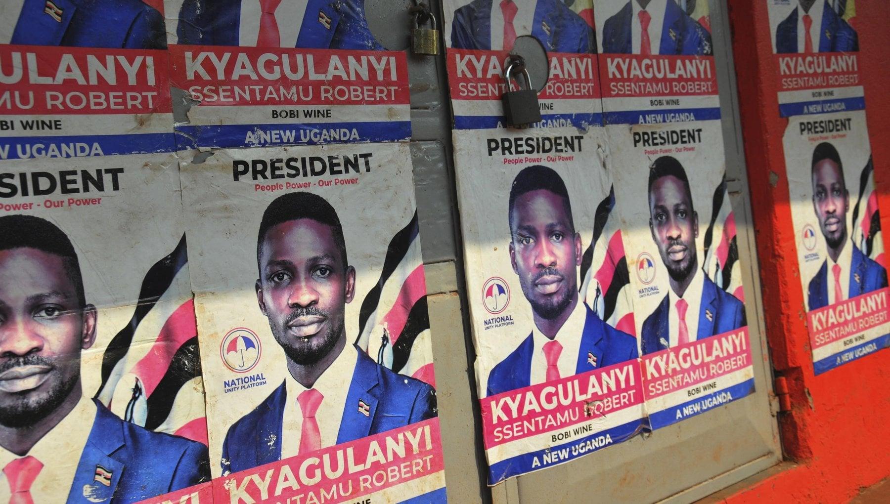 """212603988 f1a98100 5c7d 44b4 80a8 d4018688b102 - Il rapper Bobi Wine, candidato alle presidenziali ugandesi: """"Lotto per il ghetto oppresso da 35 anni"""""""
