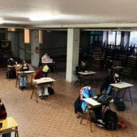 Scuola, da lunedì altri trecentomila studenti di nuovo sui banchi