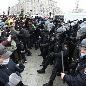 155036936 21ad0a57 93f3 44f9 b350 e705a37c8c7b - Nuove manifestazioni in Russia: record di oltre 5.100 arresti in 90 città