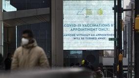 Coronavirus nel mondo: Biden potenzia la campagna di vaccinazione. Superati i cento milioni di contagi globali