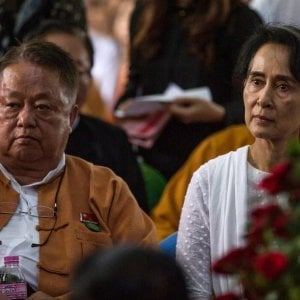 111706173 15878e34 2223 4827 89b6 3f140cbb848b - Colpo di Stato in Myanmar: mille in piazza per protesta. Dopo Facebook, oscurate Twitter e Instagram.