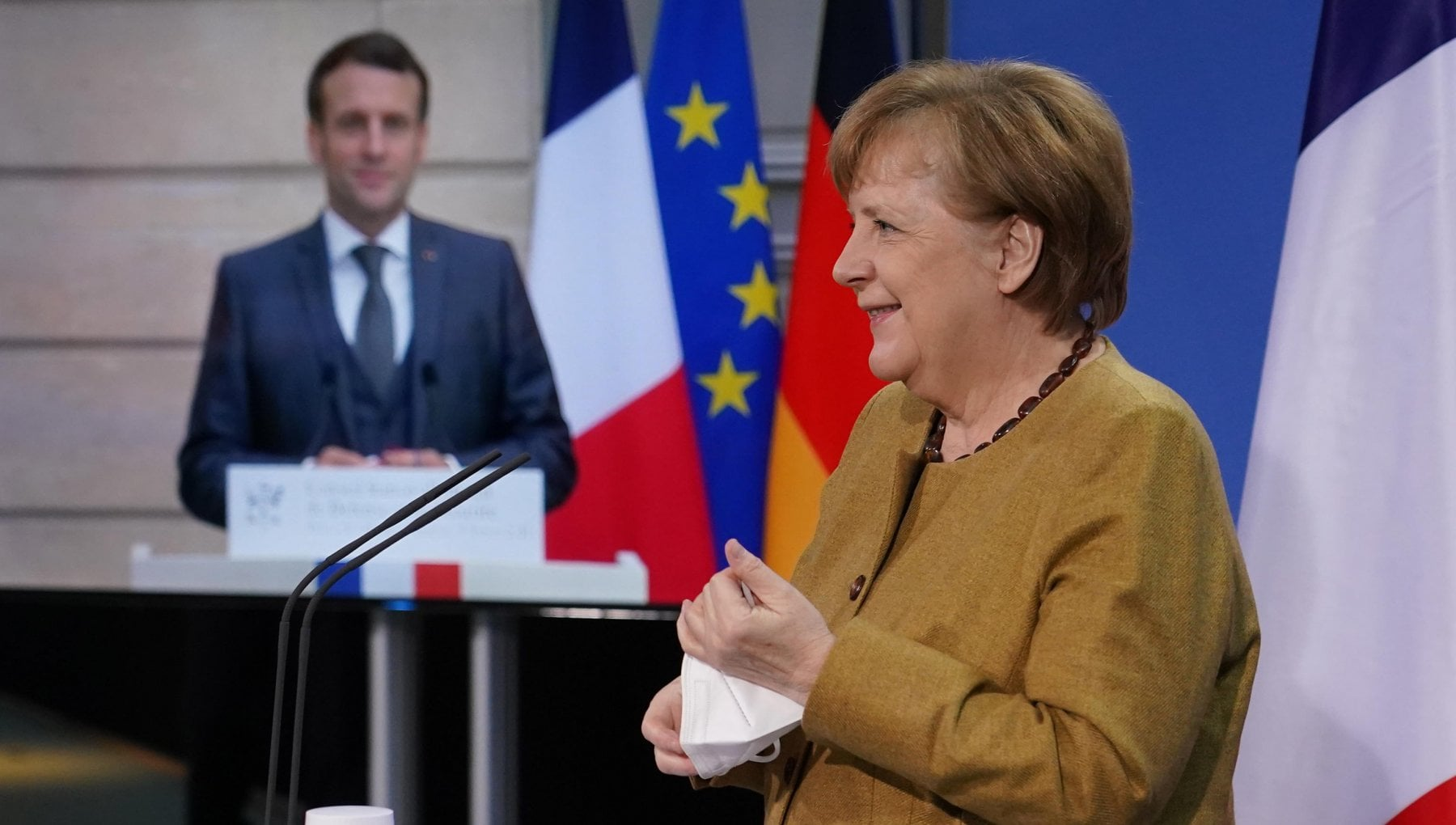 """221143649 983fe3ad c8c0 499a 8d71 df8a4a4a3c8d - Merkel non cede sul gasdotto e convince anche Macron: """"Tutelare la nostra autonomia"""""""