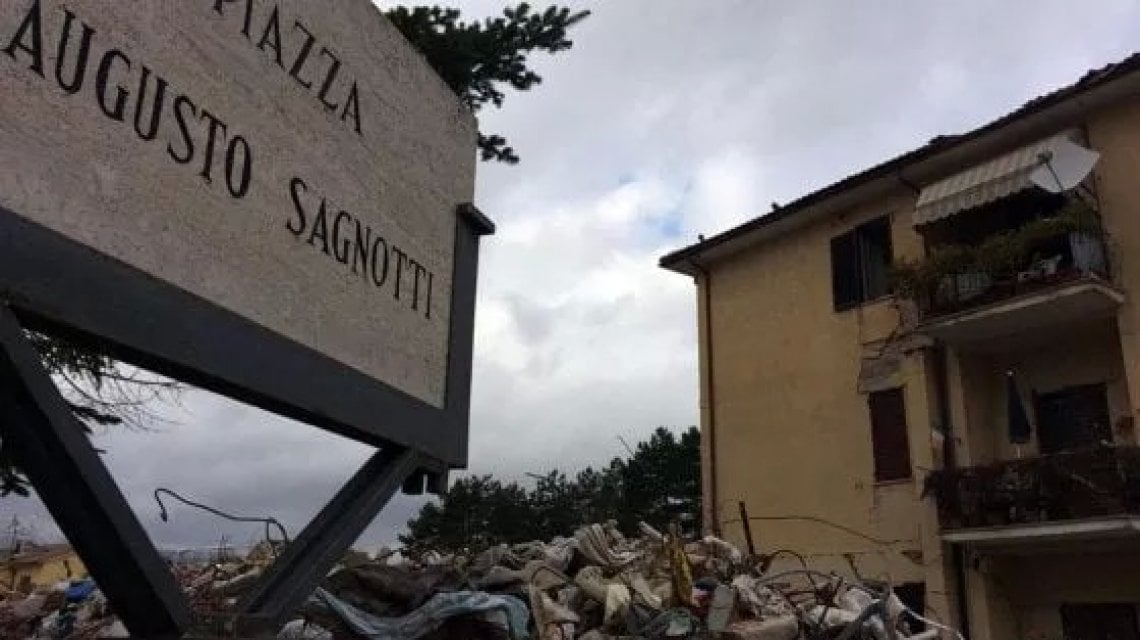 """220822122 63007ff4 6c94 4ad9 af7c 1947a00c16f5 - Terremoto di Amatrice, pochi pilastri e cemento scadente: così crollarono due case popolari. Il giudice: """"Concause umane e non sisma eccezionale"""""""