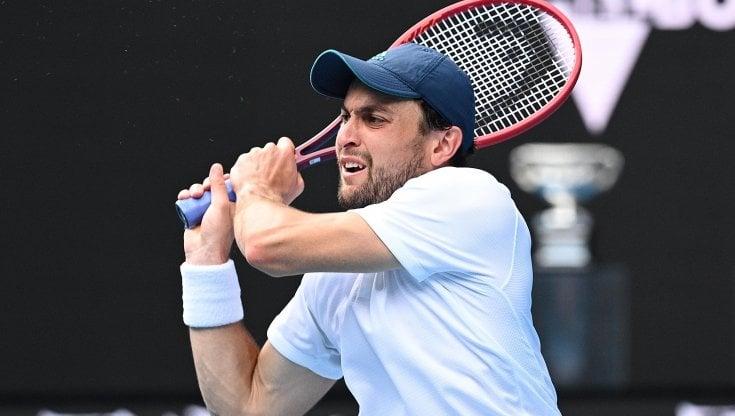 Tennis, Australian Open: Karatsev colpisce ancora: è in semifinale con Djokovic. Avanti anche Serena Williams