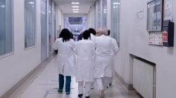 Torino    tumore al rene asportato dal robot su paziente sveglia     E'  la prima volta al mondo