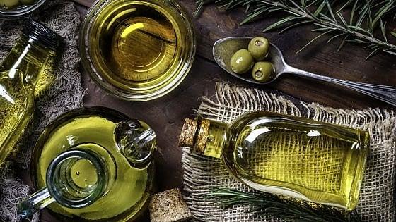 L'olio extravergine d'oliva conquista il mondo: nel 2026 mercato da 1,8 mld di dollari