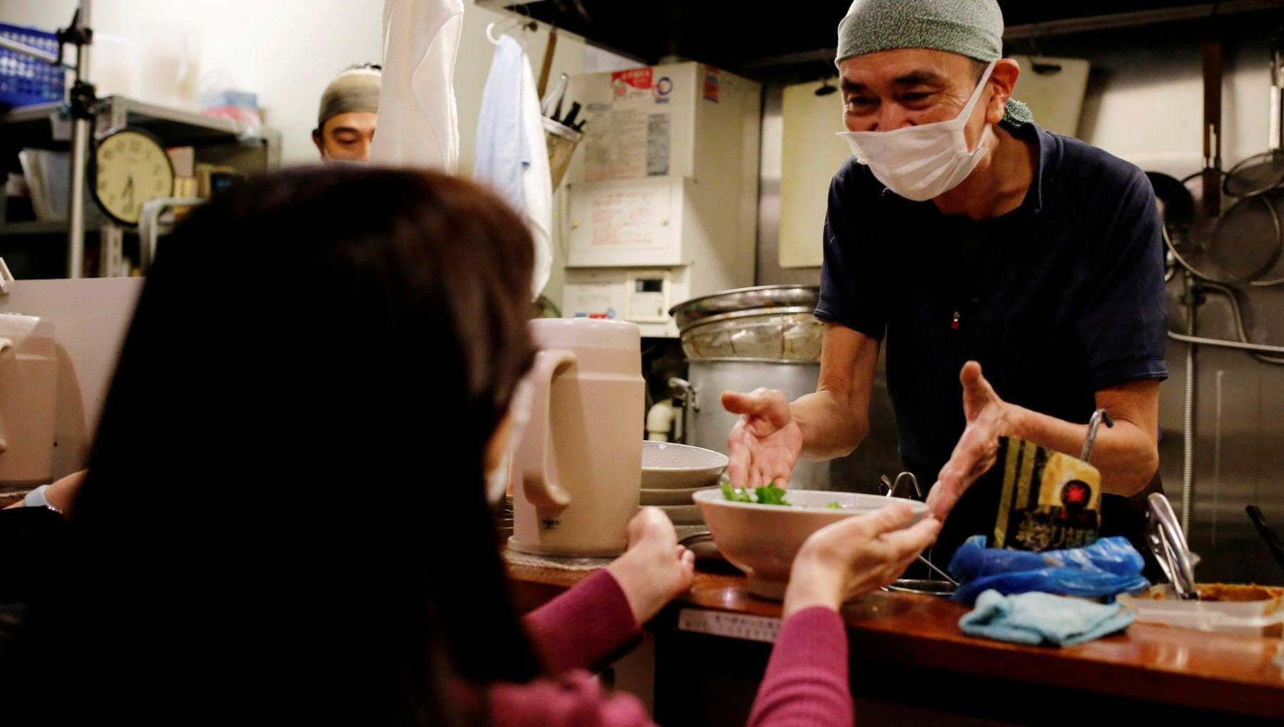 Image Coronavirus nel mondo: oltre 110 milioni contagi, 62 milioni i guariti. Quasi 2,5 milioni i morti