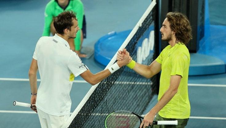 Tennis, Australian Open: Medvedev batte Tsitsipas e va in finale. Sfiderà Djokovic